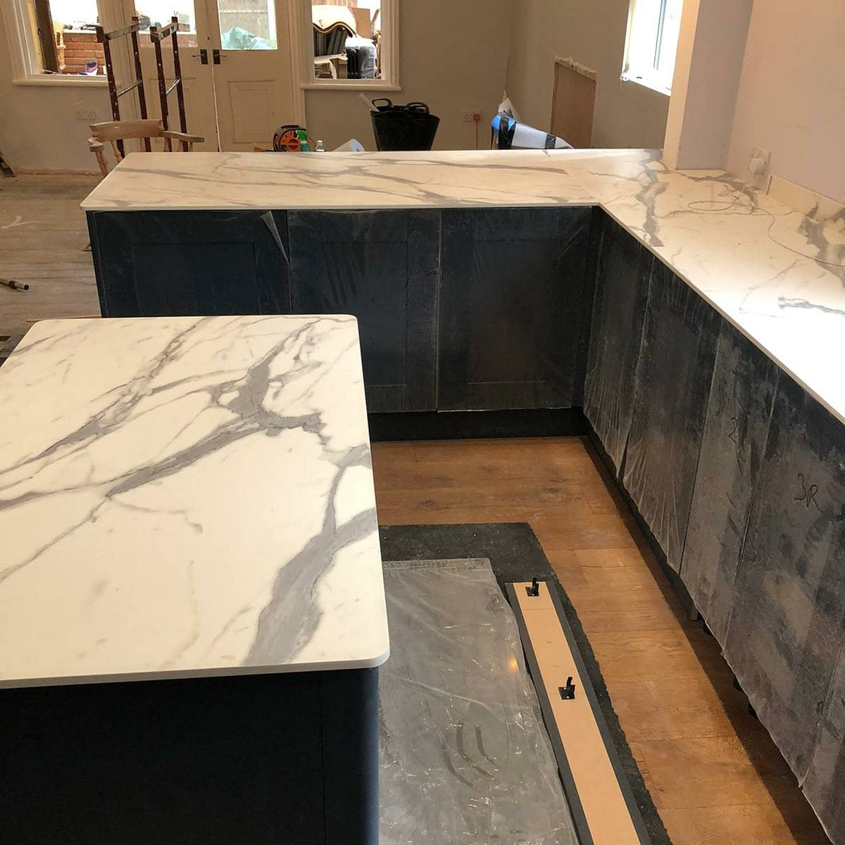 Compact Laminate Worktop Marble Finish